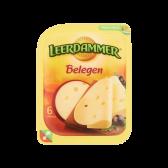 Leerdammer Belegen kaas plakken