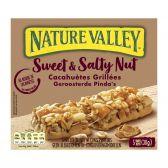 Nature Valley Granola met zoete en gezouten pinda repen