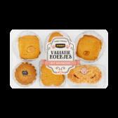 Jumbo Variation cookies with creambutter