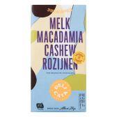 Delicata Milk chocolate tablet with macadamia, cashew and raisins